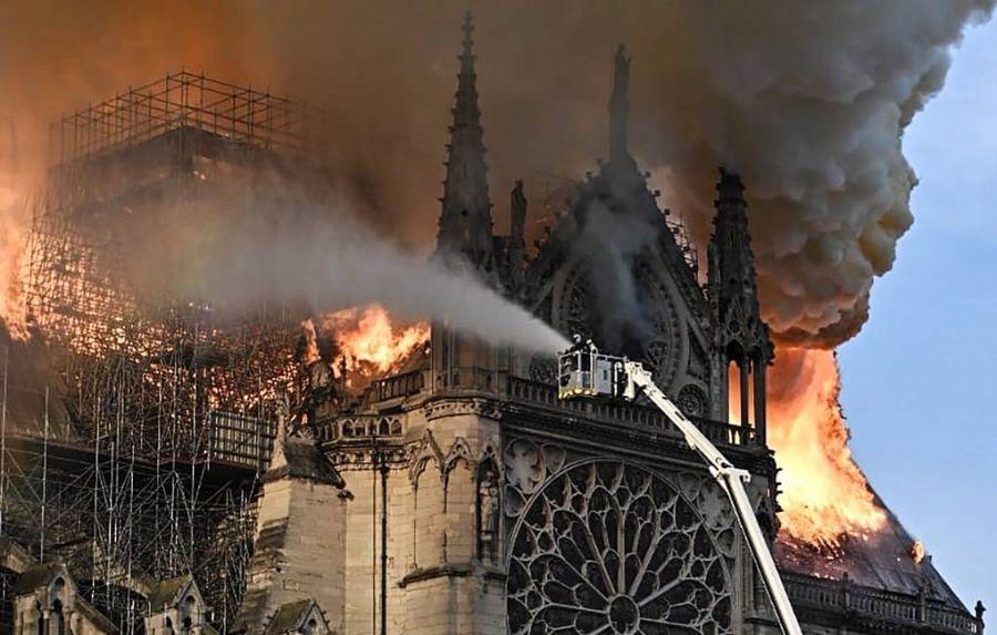 Эх дагинын сүмийг сэргээн засахад 100 сая евро хандивлана