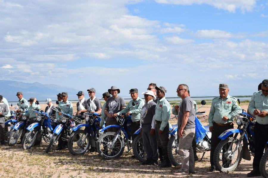 """5d5f4b36d7246 """"Монгол Экологи"""" төвөөс 15 байгаль хамгаалагчид мотоцикл олгов"""
