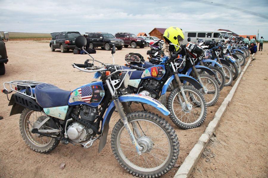 """5d5f4b448bbd9 """"Монгол Экологи"""" төвөөс 15 байгаль хамгаалагчид мотоцикл олгов"""