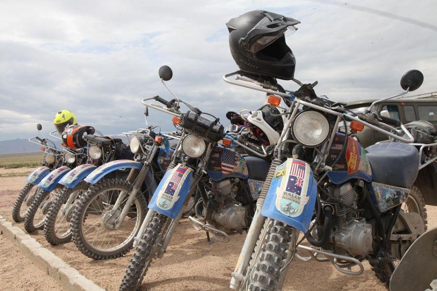 """5d5f4b5f14a40 """"Монгол Экологи"""" төвөөс 15 байгаль хамгаалагчид мотоцикл олгов"""