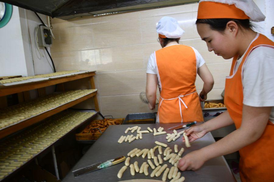 """""""Сэмжүүхэй"""" талхны цех хэрэглэгчдийн таашаалд нийцсэн бүтээгдэхүүн үйлдвэрлэдэг"""