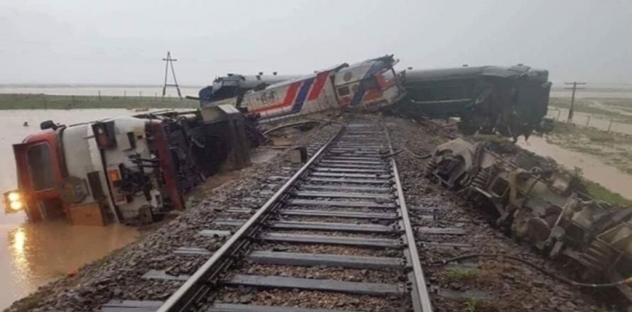 Image result for галт тэрэг осол дорноговь